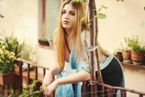 Dwudziestoletnia hostessa Anastasiya, wzrost 172 cm, rozmiar 36